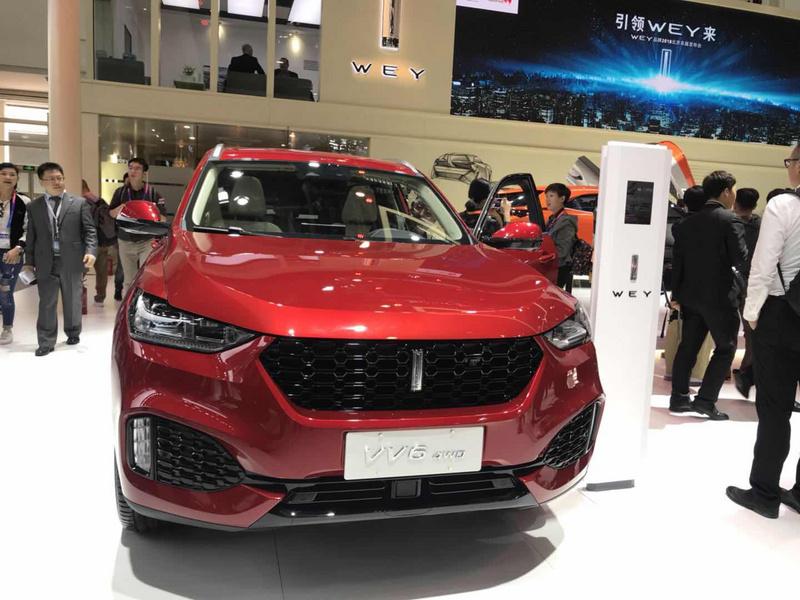 千余辆新车亮相2018北京车展,果绿红旗概念车抢尽特斯拉风头 | 图说图片