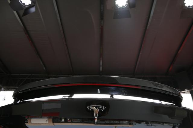硬货爆棚 欧意泰克改装豪车首次驾临2018北京车展