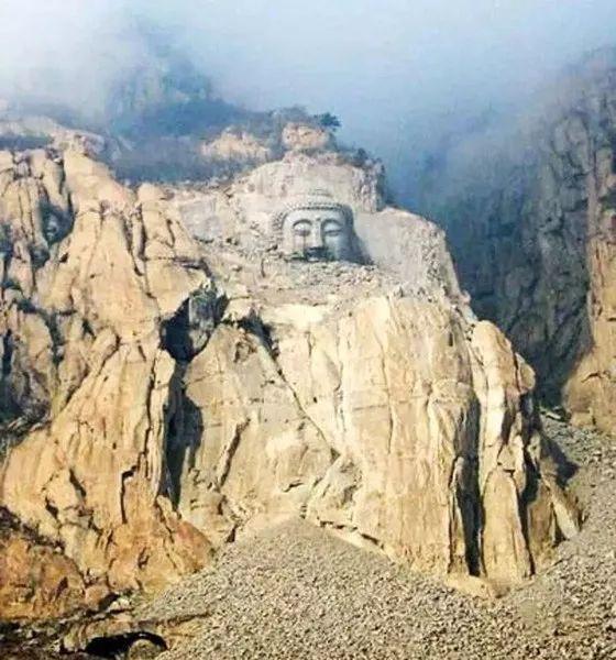 位于河北秦皇岛长寿山景区的五佛山大佛,投资5.