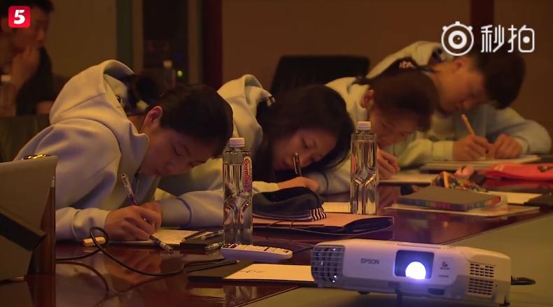 中国女排战术笔记曝光!看郎平团队如何达成霸业