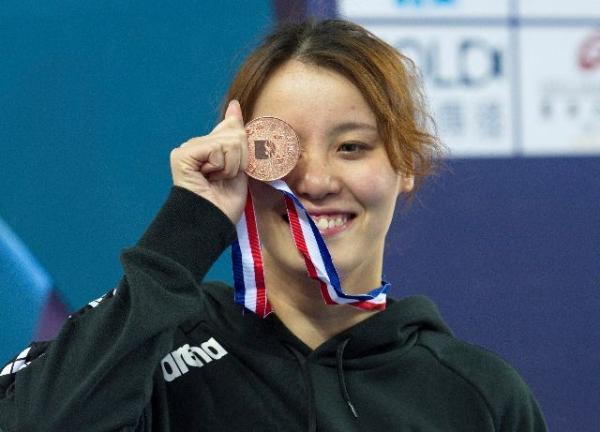 傅园慧回应退役传闻:没想到我50米仰泳还可以