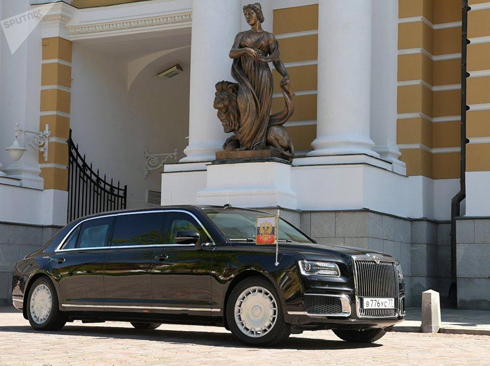俄罗斯总统最新座驾亮相,850马力V12发动机,比劳斯莱斯还华贵!