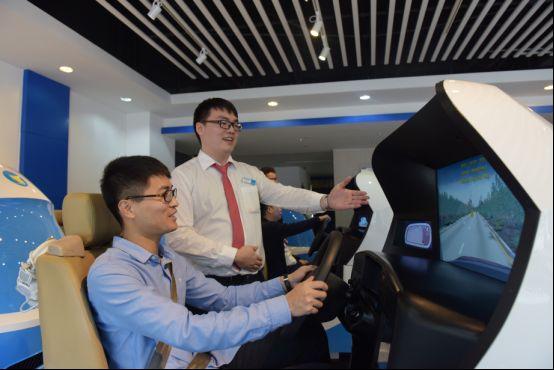 睿航模拟驾驶器助力智能学车,创新引领行业新