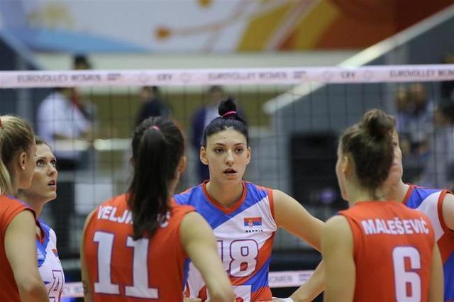 中国女排头号对手热身首秀轻松获胜!还未凑齐最强阵,强势依旧