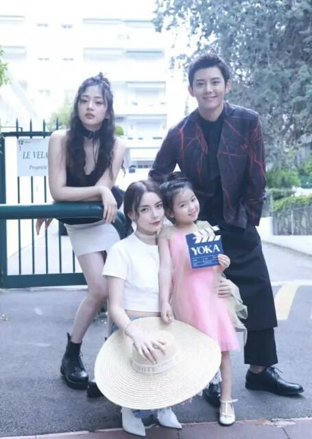 她和主创人员唐本,蓝博,赵宇彤一起亮相了第71届戛纳电影节随后电影日本肉汤图片