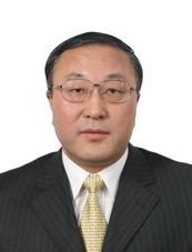 张军,分管国际组织和会议、国际经济、军控事务的部长助理。