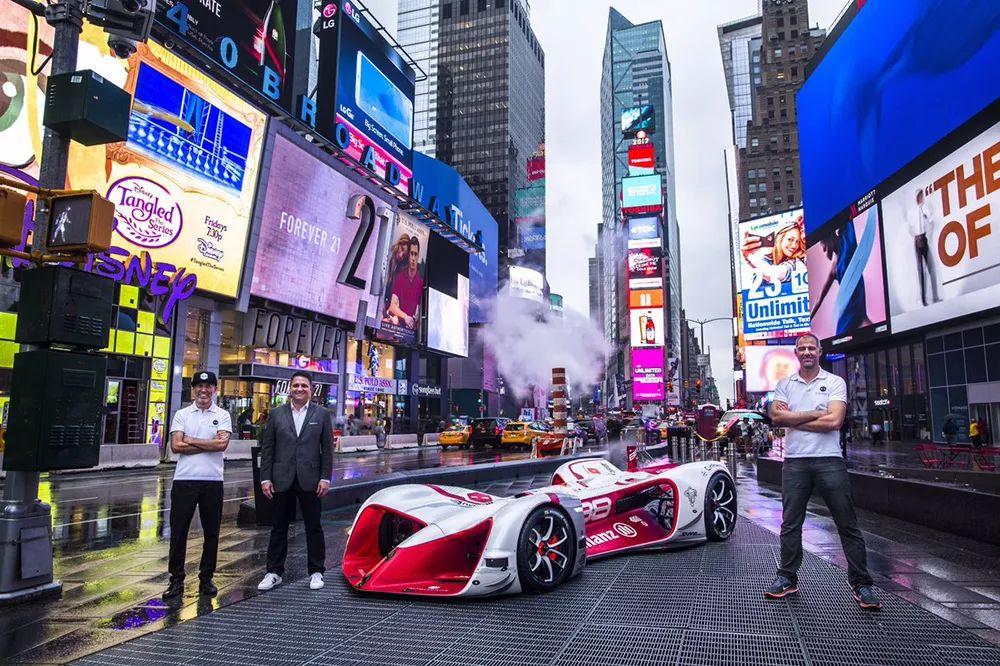 人类又一次赢了无人驾驶赛车,AI 想攻占街道赛