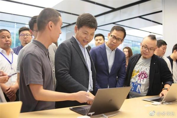 华为在太原开业国内首家智能生活馆:一站式买齐华为N件套