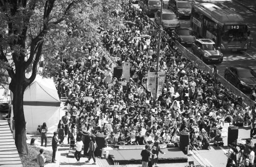 韩国爆发最大规模女性示威活动 抗议案件查处男女有别