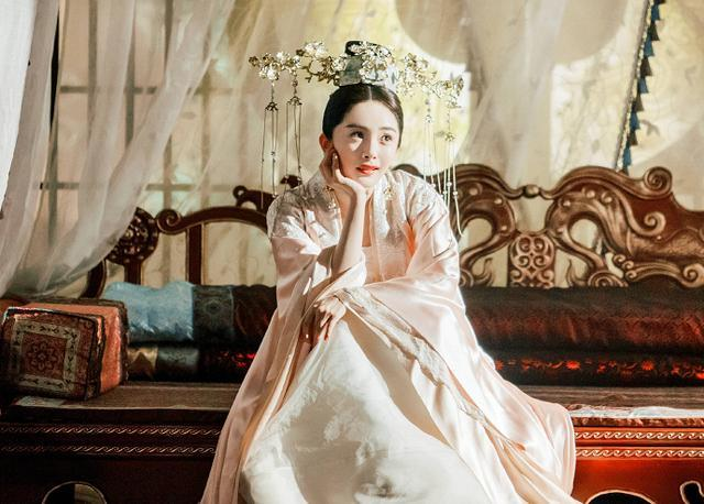 杨幂新剧《扶摇》6月18日开播,碰档问题感觉收视率堪忧!