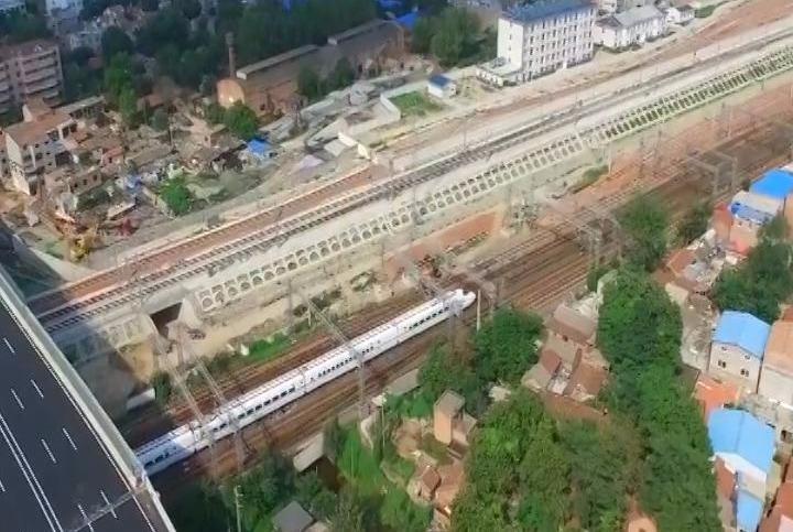 河南这两个城市有福了,建2个火车站带动经济,快看看是你家乡吗