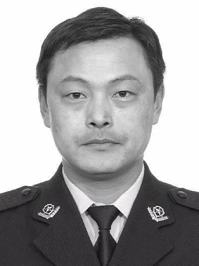 天津警察丁建华不幸去世 开颅手术刚满月就赶回一线
