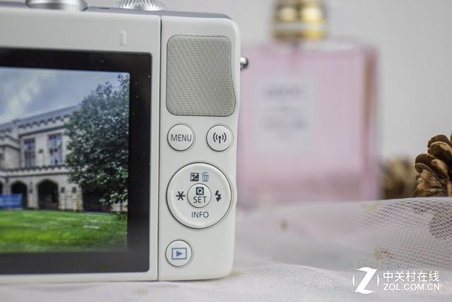 摄影自拍两不误 解读佳能M100白色微单