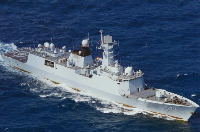 解放军战舰逼近台海岸30海里,岛内惊慌失措