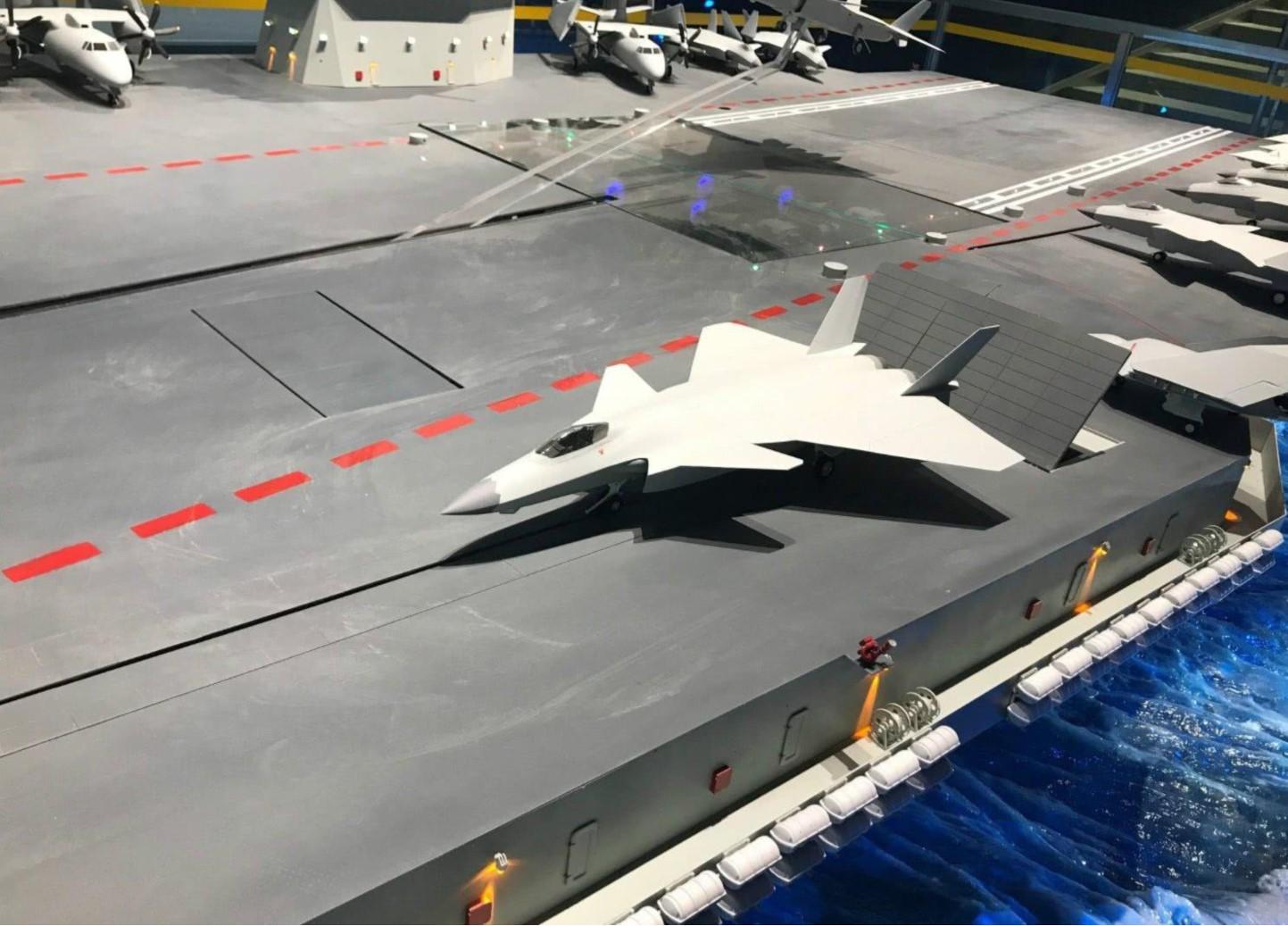 国产航母搭载歼20,一共能装多少架?数量超过福特搭载的F35