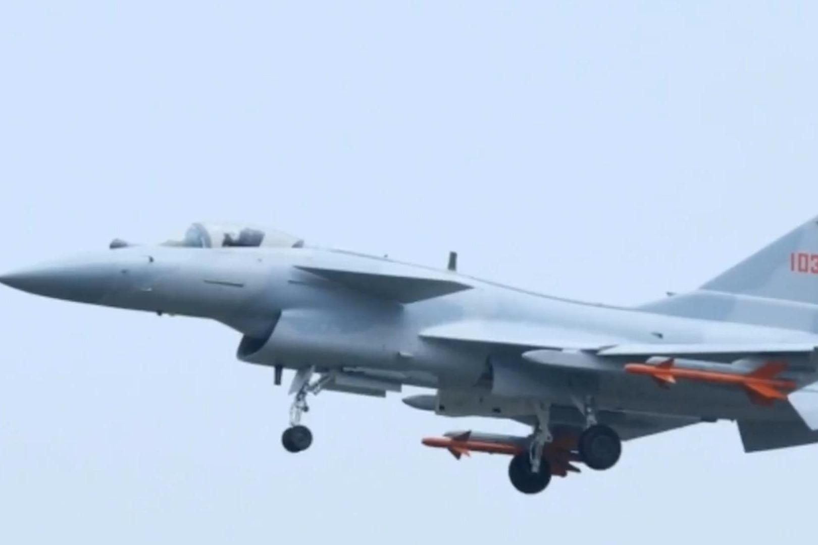 中国空军喜讯不断,多款新型战机列装部队,开始研发新一代装备