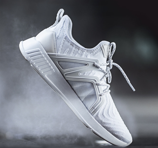 小米有品上架90分一体织运动鞋:199元