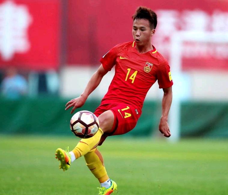 U23核心!鲁能新星全面接班蒿俊闵 里皮该选他进国足