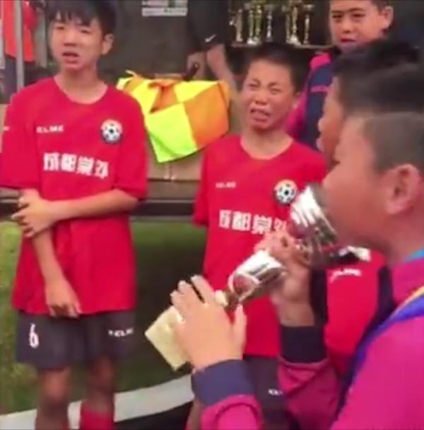 足球少年海外夺冠中国足球的未来
