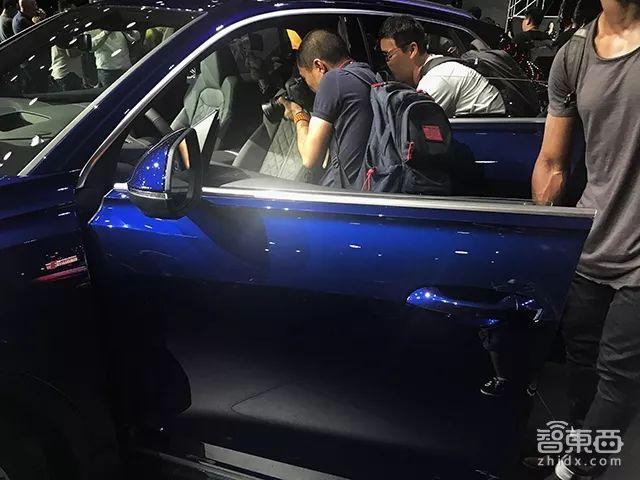 定了!奥迪Q8全球首发,首款轿跑SUV科技感爆棚
