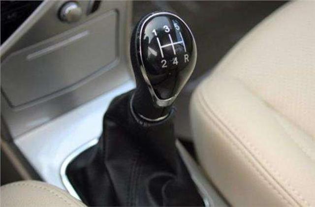 什么是汽车的直接挡?什么是超速挡?