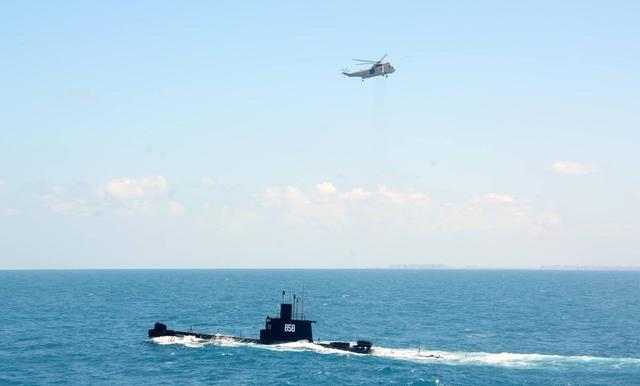 护航总统、曾突破北约舰队防御 中国老潜艇非洲扬威