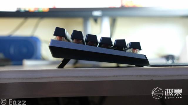 酷冷至尊MK750机械键盘测评,无框体设计方便清理