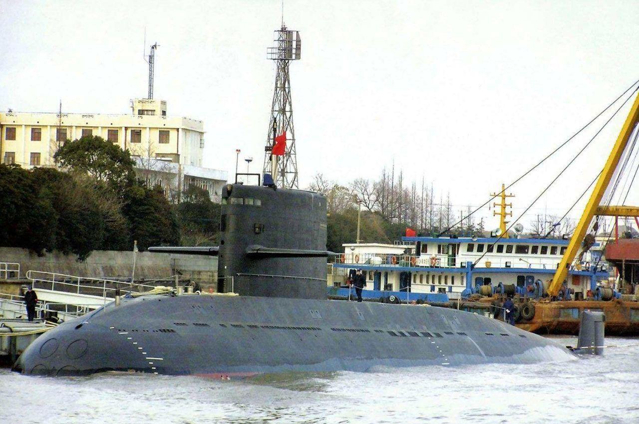中国海军潜艇手机壁纸