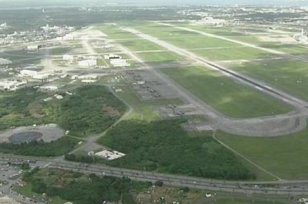 美军一战斗机在冲绳附近海域坠毁