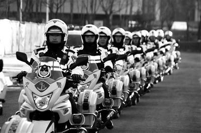 治理道路拥堵 西宁交警在行动