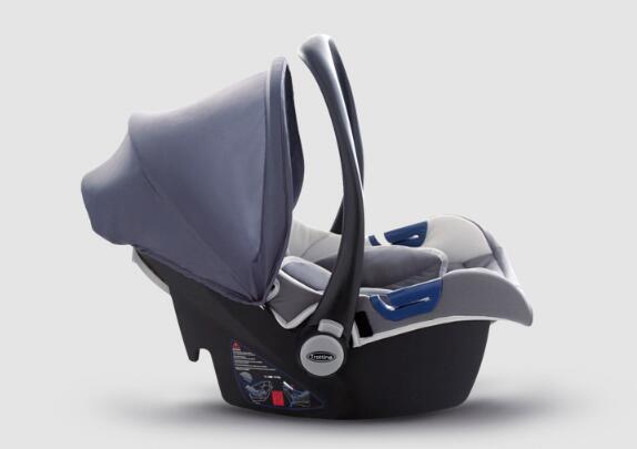 端午放假三天 手提安全座椅让宝宝酣睡无压力