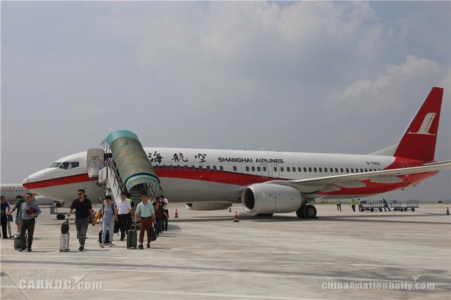 绵阳机场新扩建停机坪正式投入使用