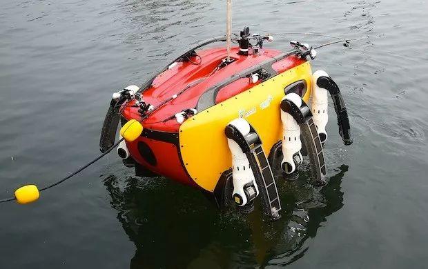 水陆两栖六足机器人,韩国这只巨大的螃蟹能带你去海底探险