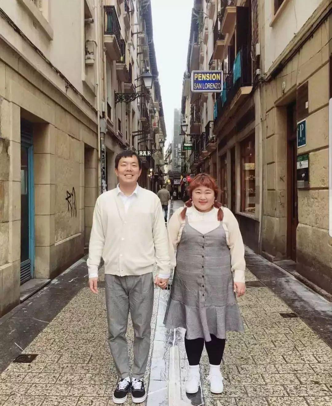 这个200斤姑娘嫁给8年初恋:婚姻幸不幸福,笑起来就知道了,甜妞追逃夫
