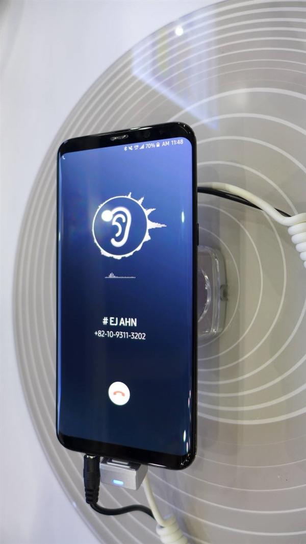 Galaxy S10要用?三星展示屏幕发声技术:听筒可以去掉了