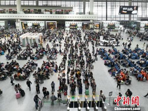 资料图:杭州东站。王逸飞 摄