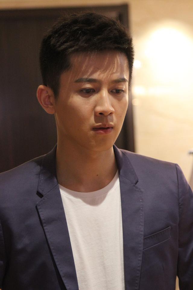 再次合作老戏骨 演员张哲与李幼斌《隐战》碰撞火花