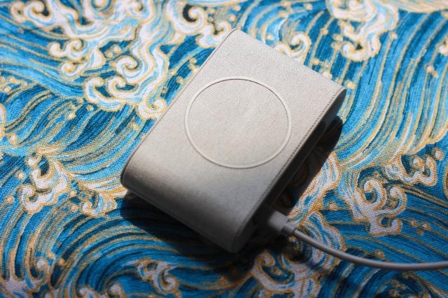 充电不用数据线随手放置就能充iOttie无线充电器视频测评