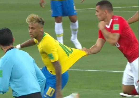 巴西投诉遭FIFA驳回:VAR使用没问题 侵犯裁判隐私