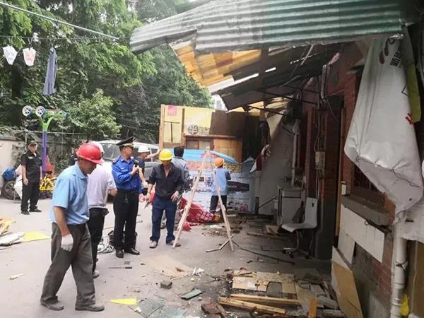 """上海87岁石库门成违建""""重灾区"""",拆违后居民们纷纷点赞"""