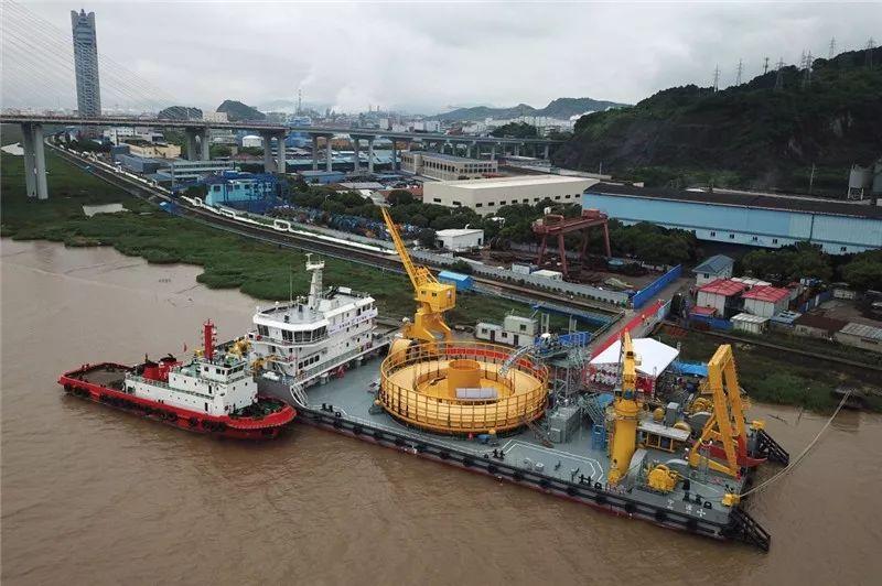 我国国产首根海洋脐带缆在宁波交付