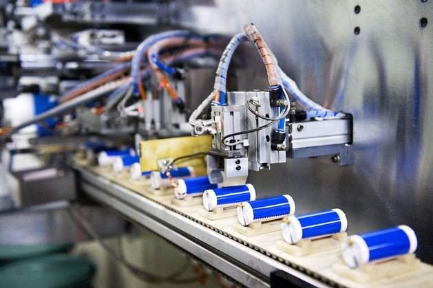日本23家企业联合研发 电动车全固态电池