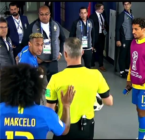 """巴西成世界杯""""最倒霉""""队!2轮吹丢2点球 内少"""