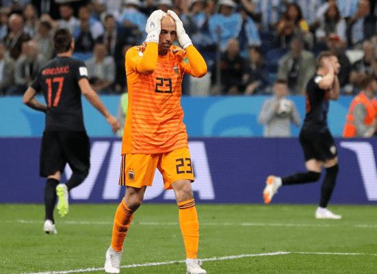 梅西低迷阿根廷惨败克罗地亚,专家:只能靠西