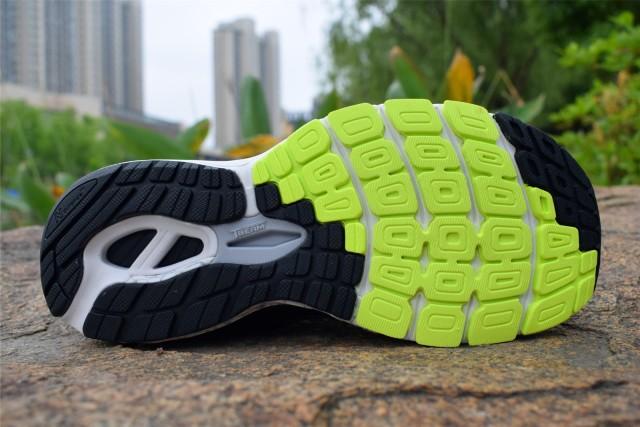 新百伦860跑鞋体验,长距离跑步利器,缓震耐磨脚感舒适