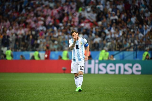 球迷:国际足联应调查卡巴列罗,他一动作或直接毁了梅西金球奖!
