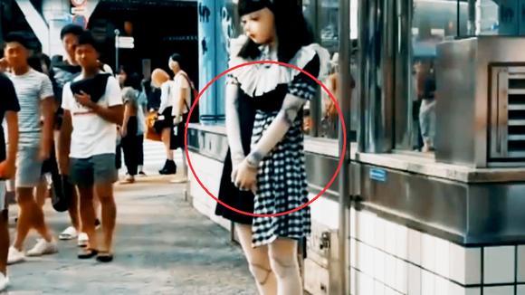 日本女孩将自己活成了真人娃娃,路人直呼见鬼,这是整容失败了吗