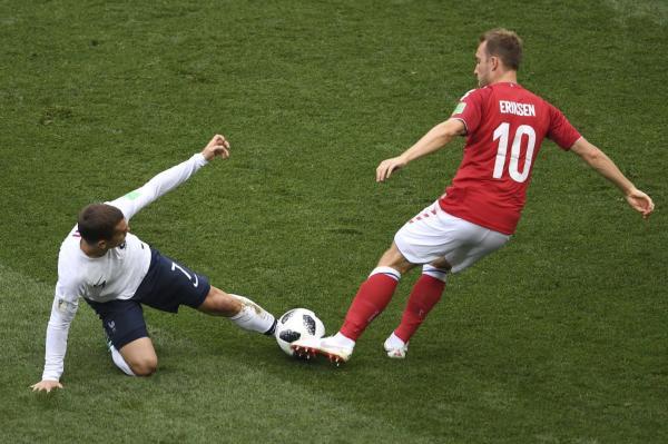 最无聊的0比0出现了!球迷提前退场,抗议法国丹麦默契球