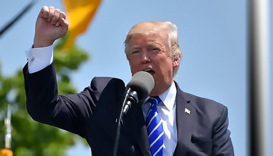 """美企巨头被迫逃离美国!特朗普正遭受""""反噬"""",全面失控已开始?"""