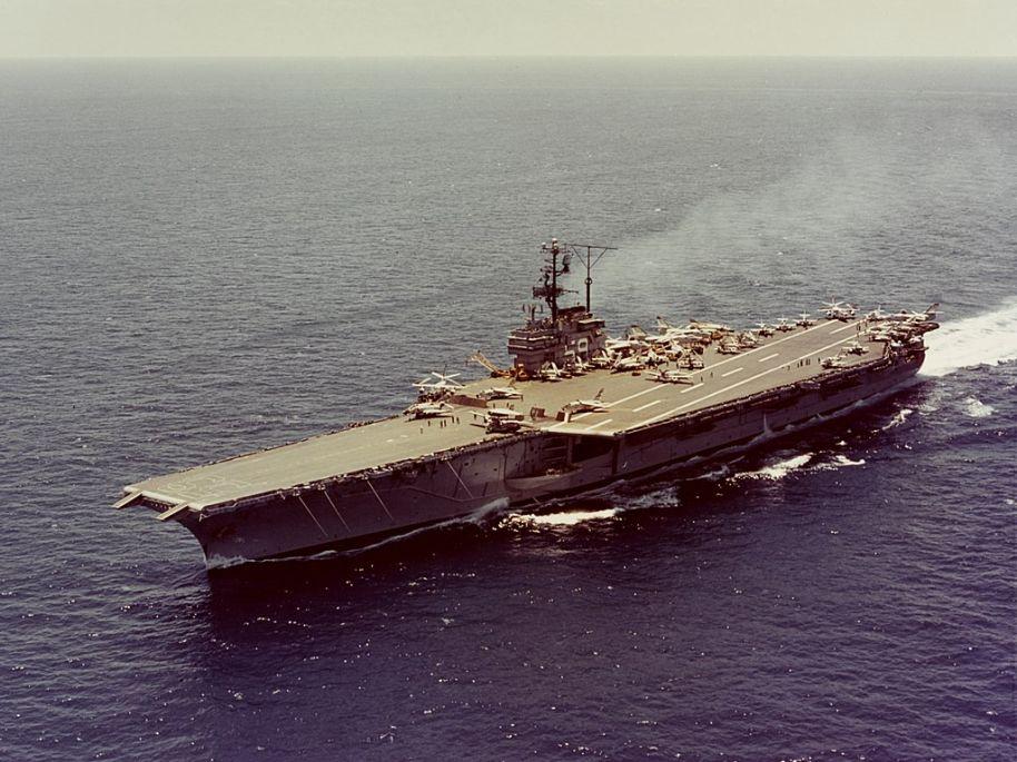 """超级航母引发的""""美国海军上将造反事件"""""""